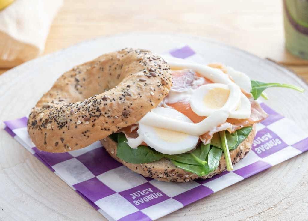 Bagel Egg & Salmon